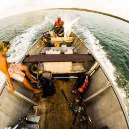 Si lascia il lodge per un fishing daye lo skipper decide giorno dopo giorno il circuito da percorrere, evitando di martellare sempre gli stessi posti