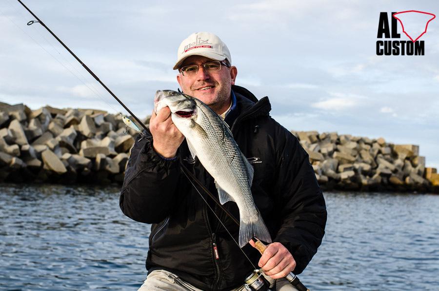 La pesca a spinnig dedicata alla spigola muove appassionati e richiede precise conoscenze tecniche.