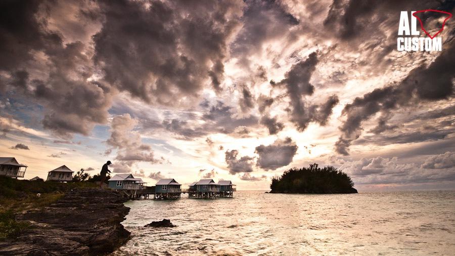 Spinning dalla scogliera. Alba e tramonto, due momenti magici per ogni fisherman.