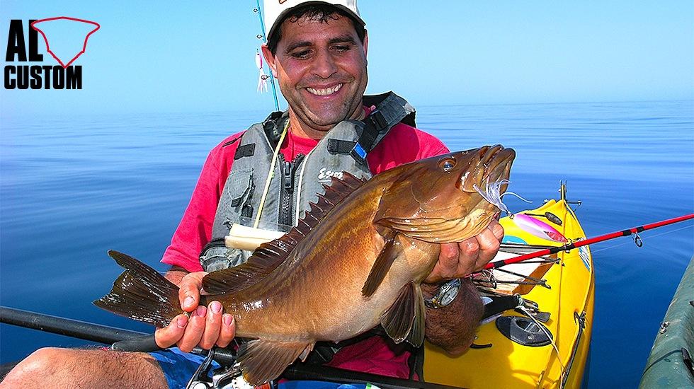 Da qualche anno anche in Italia si sta molto lentamente diffondendo la pratica del kayak fishing.