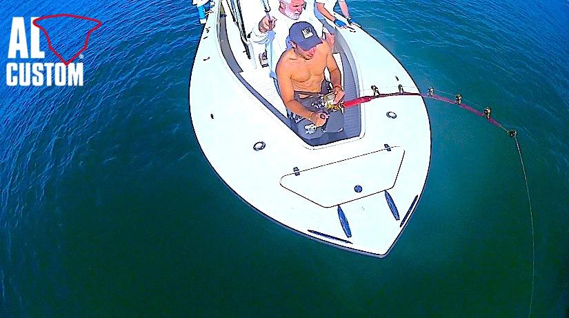 fishingboat AL CUSTOM AL25: drifting al tonno. Combattimento a prua.