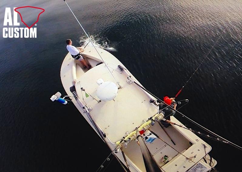 AL CUSTOM AL25: drifting al tonno. Fisherman e blue tuna: pesca catch and release.