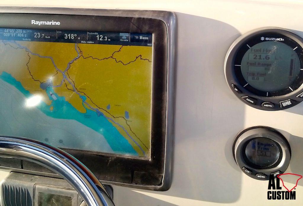 AL CUSTOM AL21, fishingboat in carbonio ad alte prestazioni. Dati consumo motore Suzuki DF150