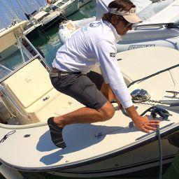 Fishingboat AL CUSTOM AL25: fisherman in fibra di carbonio, motorizzazione Suzuki, elettronica Raymerine.