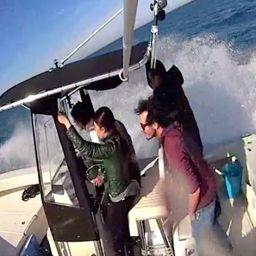 fishingboat ALCUSTOM AL21: lunghezza 7 mt, larghezza 2,50 mt. Fisherman in fibra di carbonio. Test ride.
