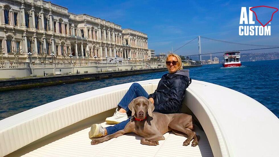 Fishing boat ALCUSTOM AL25 sul Bosforo, far Mar Nero e Mare di Marmara.