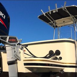 Fishing boat ALCUSTOM AL21: elettronica Raymarine, motore Suzuki, motore elettrico ausiliario Torqeedo