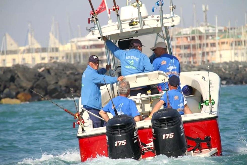 Fishing boat ALCUSTOM AL25: uscita di pesca a drifting al tonno