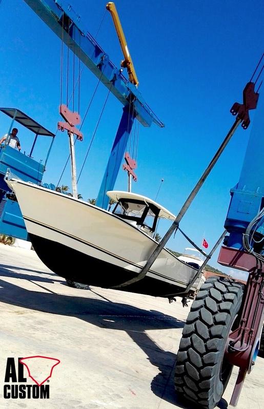 Fishing boat ALCUSTOM AL30: la consegna in Turchia nel porto di Alaçati.