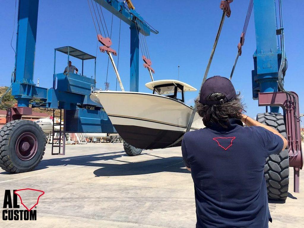 AL30 cuddy: nuovo fisherman ALCUSTOM consegnato in Turchia al porto di Alaçati.