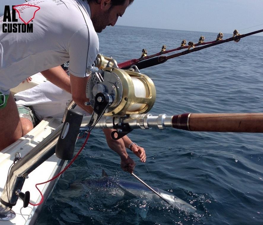 Fishing boat ALCUSTOM AL25: trolling e drifting in Adriatico