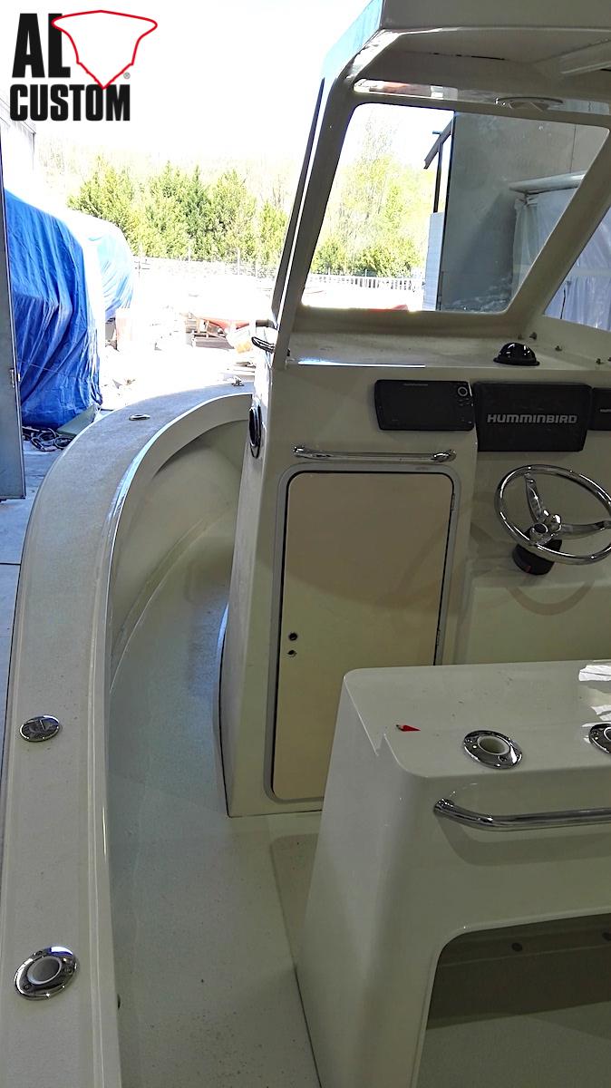 ALCUSTOM AL23: ideale per la pesca, dotatato di cabina. Fishing boat in carbonio