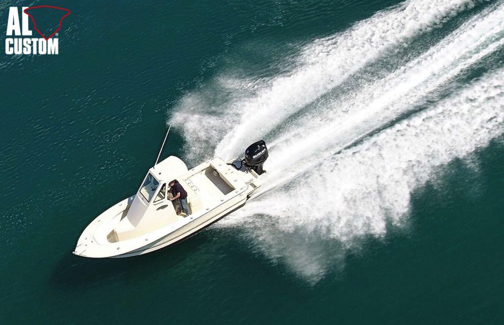 Fishing boat ALCUSTOM AL23 e fuoribordo Suzuki DF200AP, elettronica Humminbird. Barca in carbonio, cabinta.