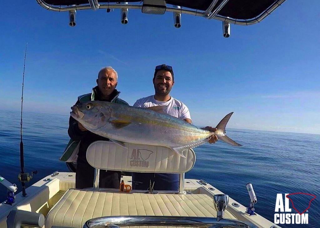 """traina col vivo alle ricciole. L'ALCUSTOM AL21 """"Duo"""" a pesca sugli hot spot della costa nord-est della Sardegna"""